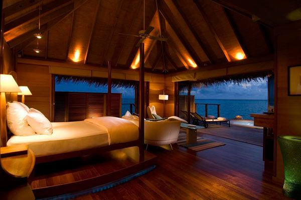 bedroom near ocean 23 Amazing Bedrooms with a Panoramic View of the Ocean