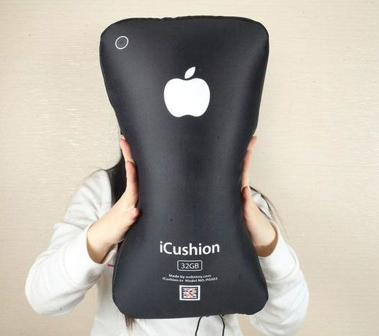 iphone 4gs pillow7 iCushion : Iphone 3GS Shaped Pillow