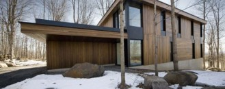 Modern Mountain Cottage in Quebec, by Blouin Tardif Architecture