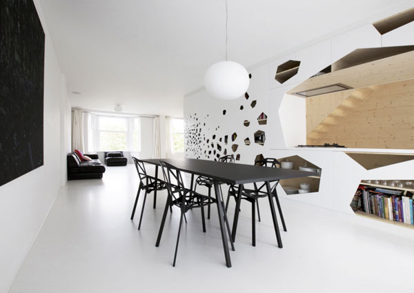 Contemporary-interior-design-with-black-table-and-chairs