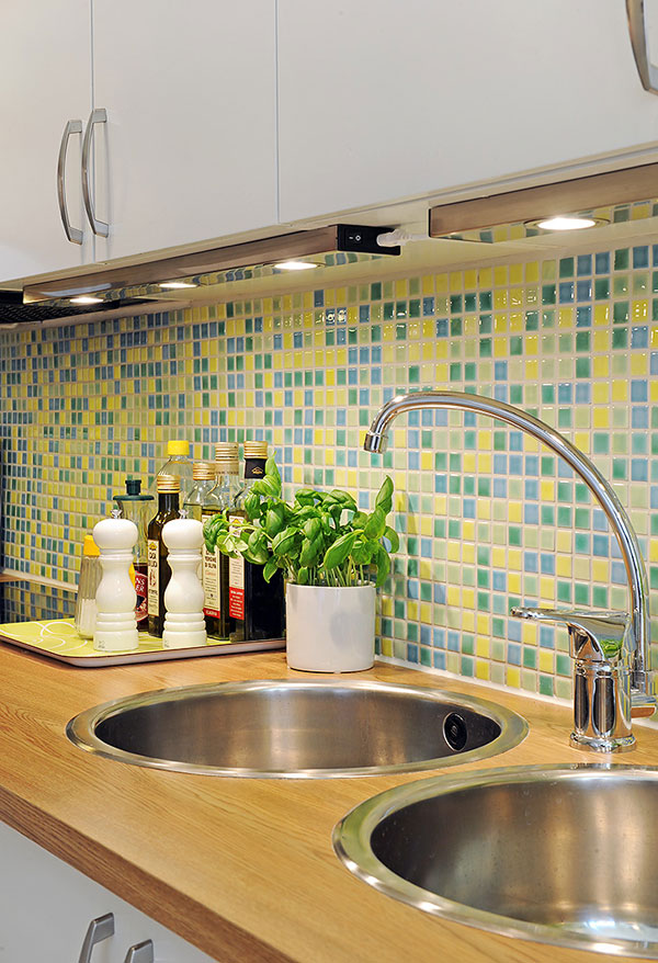 image 026 Beautiful and Fresh Apartment Invaded by Color