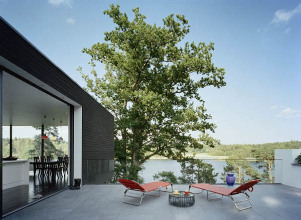 barone 080910 03 940x687 An Artists Crib : Inviting Summer Home in Sweden