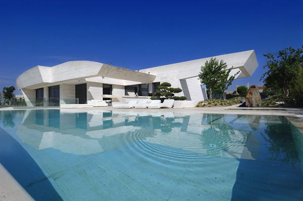 beautifu home architecture building acero archiects pool Amazing House That Offers the Maximum Life Quality by A cero