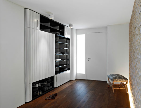 An Elegant Storing Solution : Original Built In Wardrobe