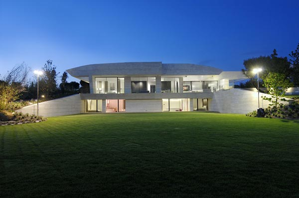 contemporaty beautifu home architecture building Amazing House That Offers the Maximum Life Quality by A cero
