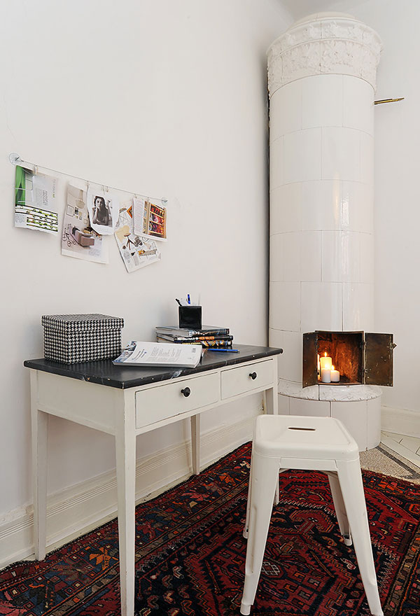 image 0084 Inspiring Small Apartment with Vintage Details