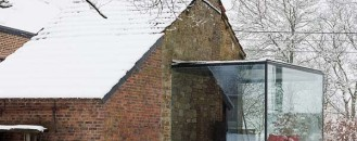 Maison Roly in Belgium, an Aesthtic Blend of Old and New