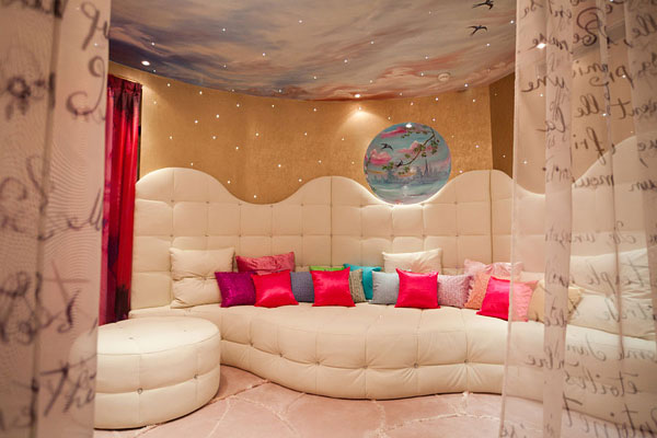 03b Hotel Le Seven, Bringing Together Exquisite Design and Famous Movie Themes