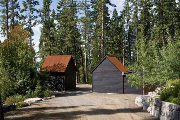 1285701783 02stonecreekcamp gatehouse 1000x666 Stone Creek Camp, Amazing Natural Homes and Breathtaking Landscapes