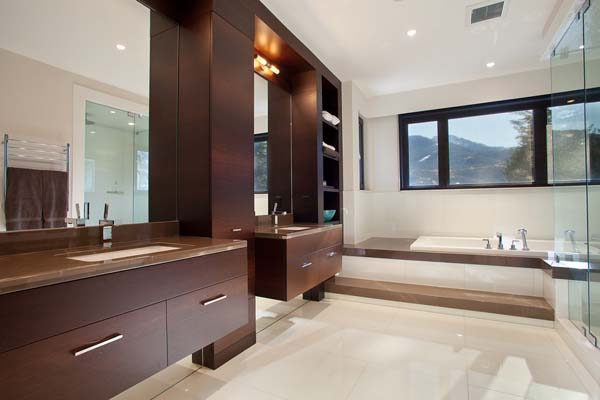 Luxury Property in Whistler 2 Luxurious Mountain View Villa in British Columbia