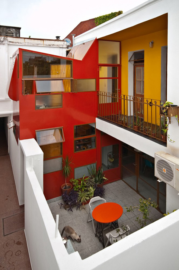 Min House 11 Uncommon Home Built with Local Market Materials in Buenos Aires