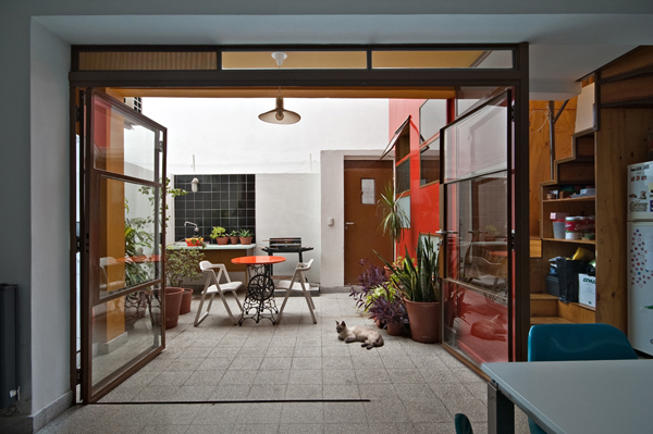 Min House 2 Uncommon Home Built with Local Market Materials in Buenos Aires
