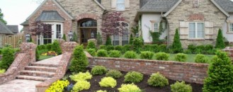 How to Create Inviting Curb Appeal in the Fall & Winter