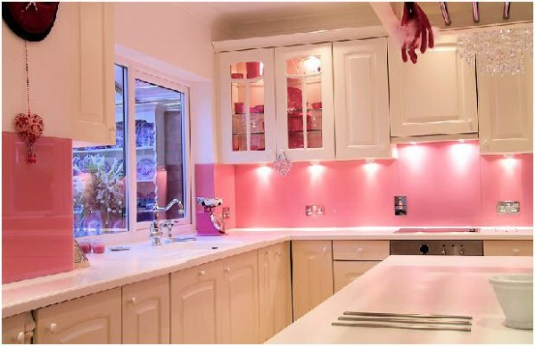 pink decor kitchen e1287999886892 How to Cure Your Boring Kitchen with Pink