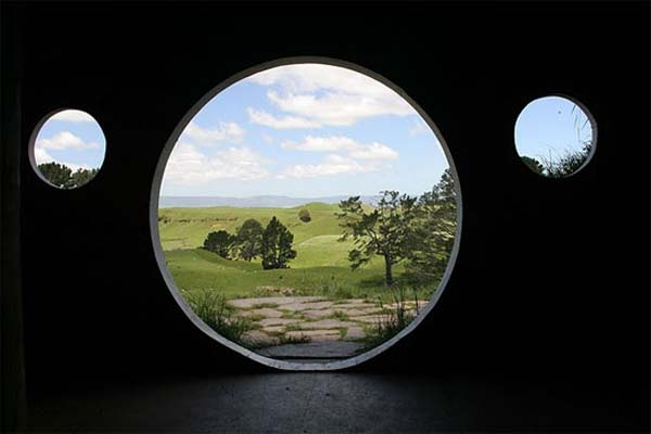 window lotr house Cute Lord of the Rings Hobbit Houses in New Zealand