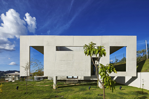 Casa JE by Humberto Hermeto 13 Magnificent Artistic Home with an Art Gallery in Brasil