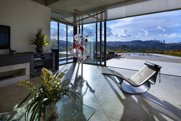 Casa JE by Humberto Hermeto 17 Magnificent Artistic Home with an Art Gallery in Brasil
