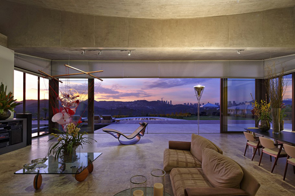 Casa JE by Humberto Hermeto 3 Magnificent Artistic Home with an Art Gallery in Brasil