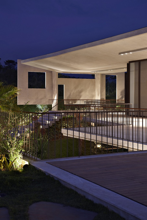 Casa JE by Humberto Hermeto 4 Magnificent Artistic Home with an Art Gallery in Brasil