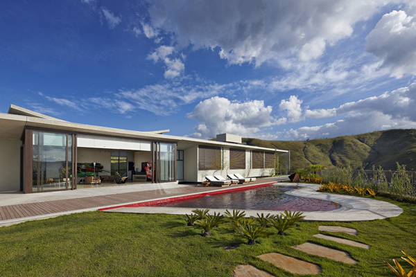 Casa JE by Humberto Hermeto 9 Magnificent Artistic Home with an Art Gallery in Brasil