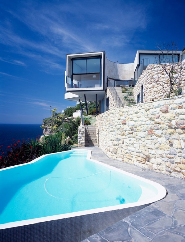 durbach5 Spectacular Residence on a Cliff Edge Inspired by a Picasso Painting