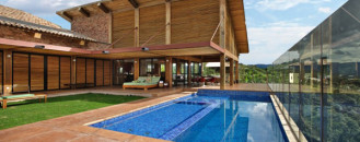 Diverse Mountain House with an Extreme Level of Comfort in Brazil