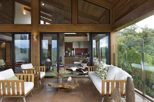 mh 121110 11 940x624 Diverse Mountain House with an Extreme Level of Comfort in Brazil