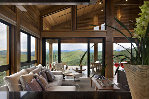 mh 121110 17 940x624 Diverse Mountain House with an Extreme Level of Comfort in Brazil