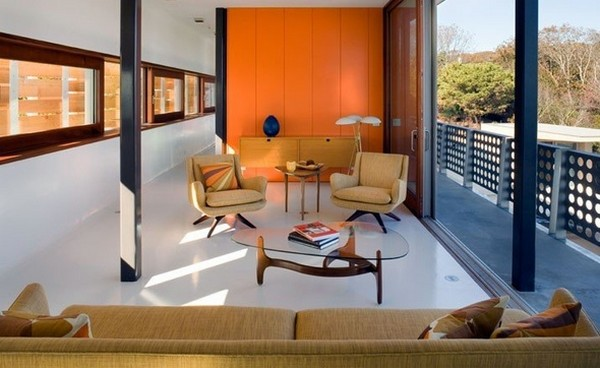 Freshome Montauk Residence 17.jpg Oceanfront Home Invaded by Color: Montauk Residence