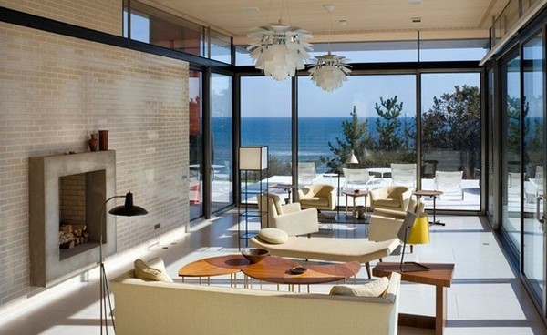 Freshome Montauk Residence 23.jpg Oceanfront Home Invaded by Color: Montauk Residence