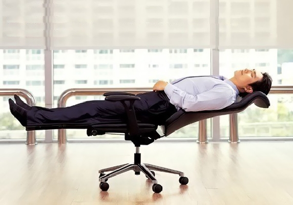 Collect This Idea Lay Flat Chair For Complete Office Relaxation