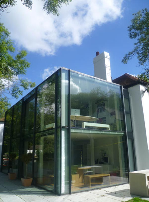18 Modern Glass House Exterior Designs: Contemporary Glass Addition Adorning An 18 Century Home