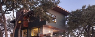 Fresh Alternative to Urban Living: Lake LBJ Retreat by Dick Clark Architecture