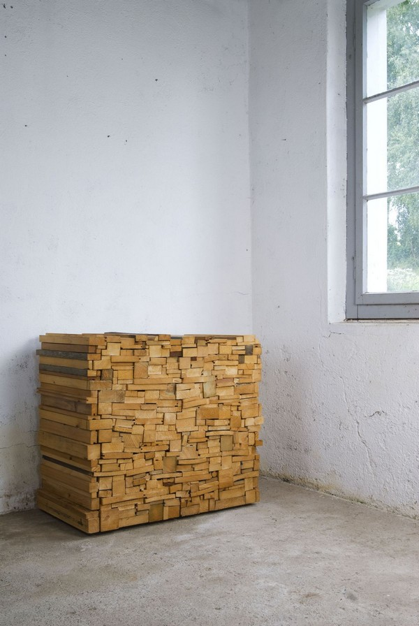 wh 011210 04 Storing Furniture in Secret: Wooden Heap by Boris Dennler