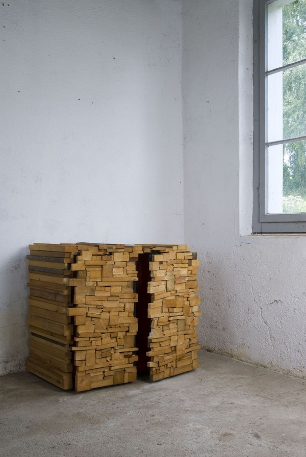 wh 011210 05 940x1404 Storing Furniture in Secret: Wooden Heap by Boris Dennler