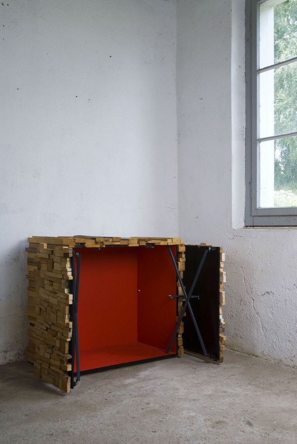 wh 011210 06 Storing Furniture in Secret: Wooden Heap by Boris Dennler