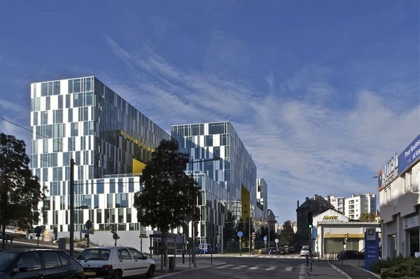LaCitedesAffairesManuelleGautrand6 Imposing Aztec Serpent Office Building in France