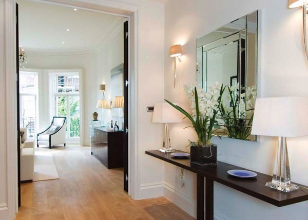 How to Decorate your Awkward Hallway | DailyClicker