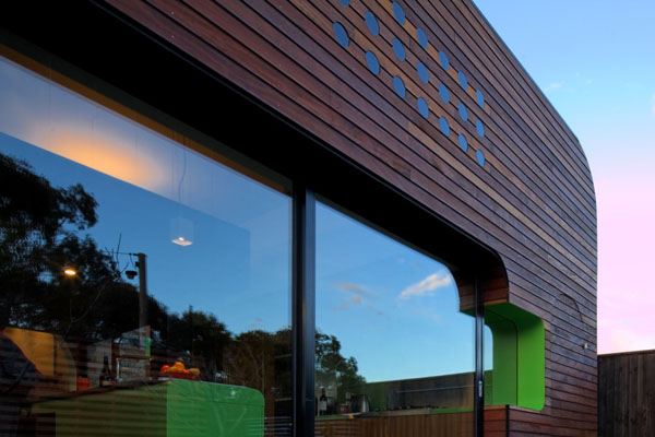 mash house 16 Surprising and Dynamic Transformation of a Victorian Residence