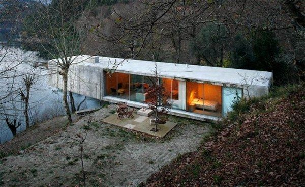 scenic house 582x356 Think Green: 10 Best Sustainable Homes of 2010