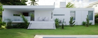 Inviting Home in Brazil with an Immaculate Design