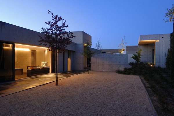 ACERO concrete homeFreshome12 One More Astounding Architecture Project by A cero: CONCRETE HOUSE I