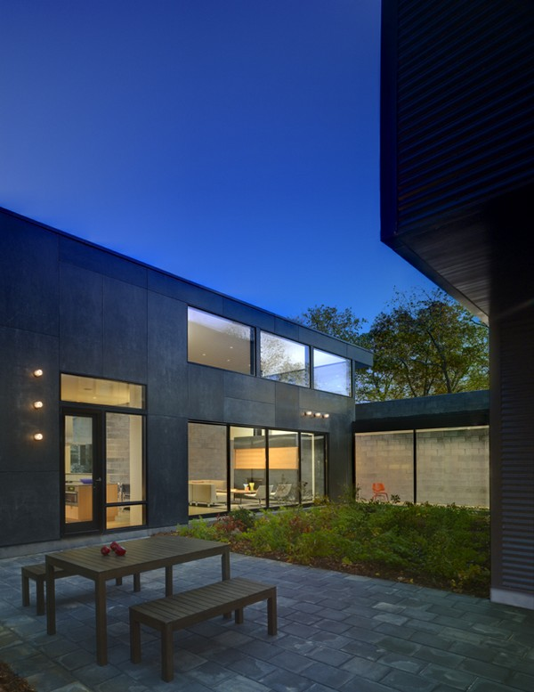 Lujan House Freshome14 Tranquility of a Waterfront Residence: The Lojan House in Delaware