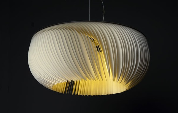 Moonjelly Freshome08 Moonjelly, a Fascinating Pendant Lamp with an Elegant Look