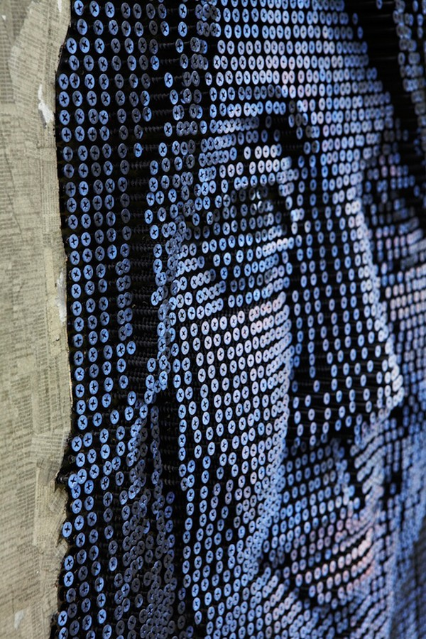 portraits Freshome 01 Drilling Thousands of Screws for Unusual 3D Mural Portraits