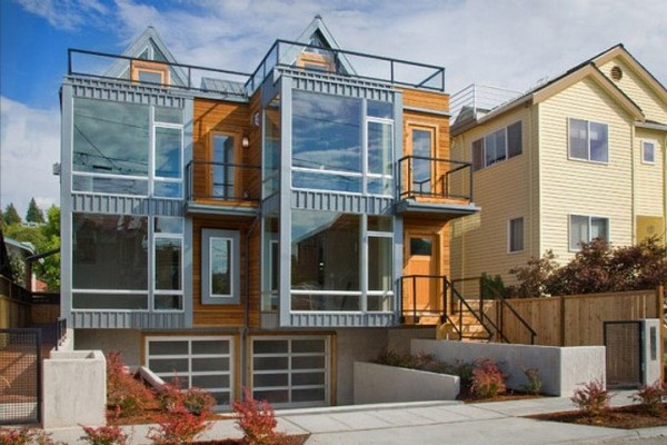 two townhouses half block from the beach 1 554x369 Charming Contemporary Twin Buildings: Alki Townhomes in Seattle