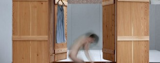 Wardrobe and Sauna Combined: Badkast by Anna van der Lei