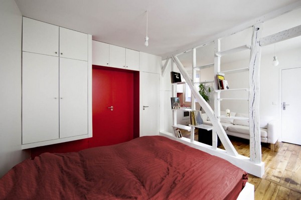 montmatre apartment Freshome 032 Surprisingly Small Apartment in Paris with a Charming Red&White Interior