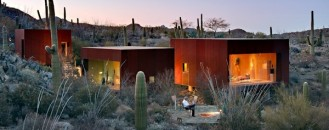 Nestled Between Cactuses: The Desert Nomad House, Arizona