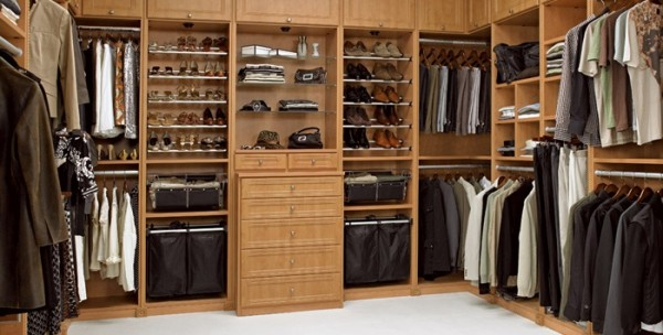 How to Create a Multifunctional Master Bedroom Closet | Freshome.com